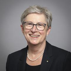 Ms Gisela Stuart